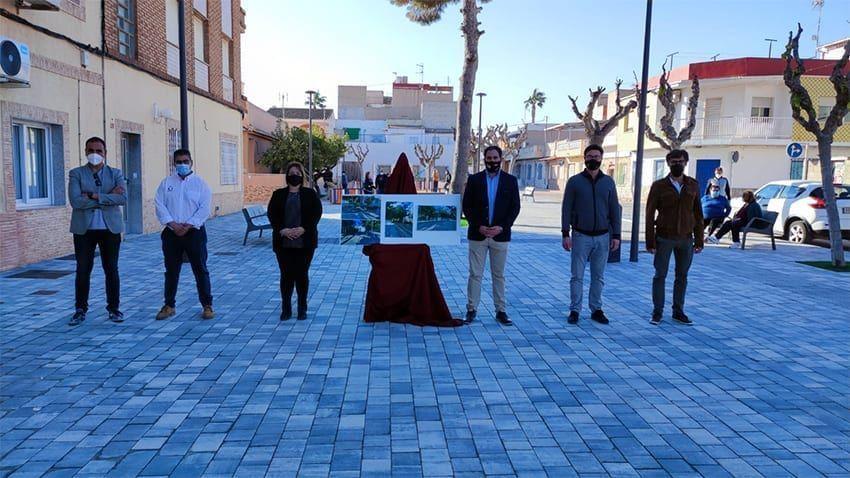 Finalizados los trabajos de Plaza situada junto a la Avenida de La Constitución de Los Narejos