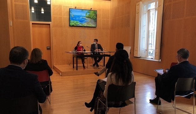 La Región de Murcia invierte 2 millones de euros para la retirada de biomasa y limpieza del Mar Menor