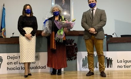 La doctora Querubina Meroño recibe el Premio 8M de San Javier