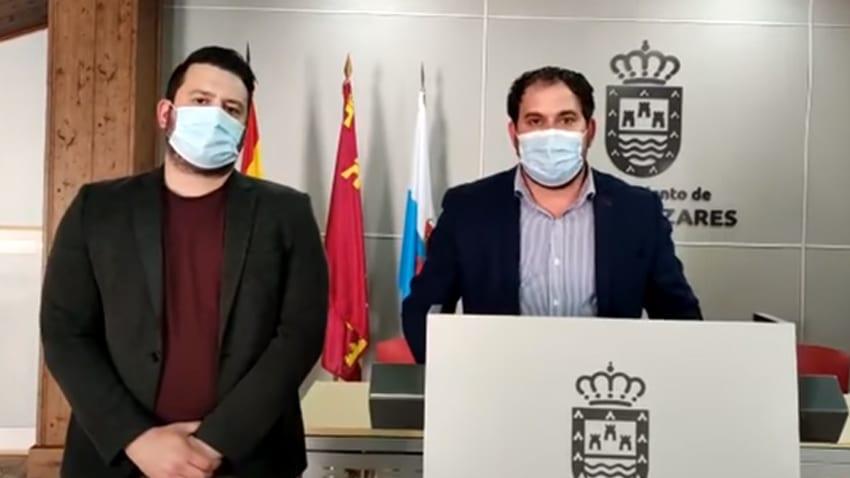 El Ayuntamiento de Los Alcázares pide que las vacunaciones frente al Covid-19 se realicen en el municipio.